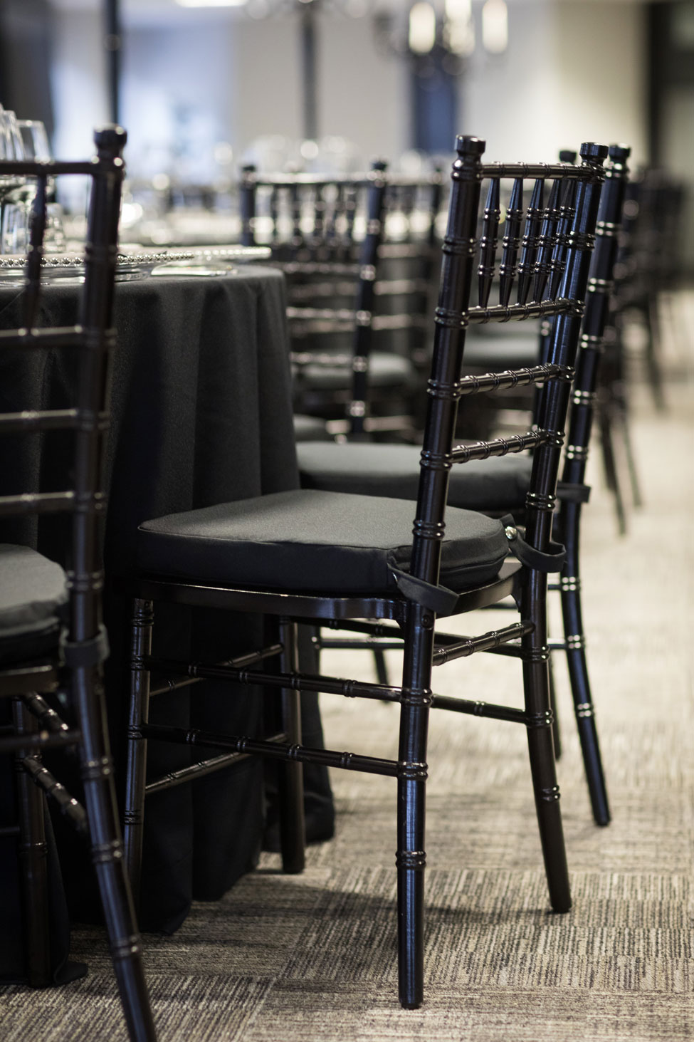 Black Chiavari chair with black Essential pad
